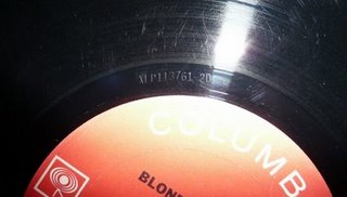 vinyl-albums-and-newspapers