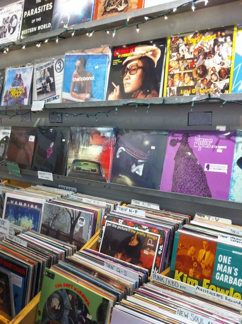 new york city record stores other music turntabling. Black Bedroom Furniture Sets. Home Design Ideas