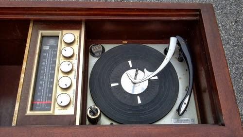 retro turntable2